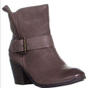 ❤️FERGIE COUNTRY TOO LEATHER HARNESS BUCKLE BOOTS